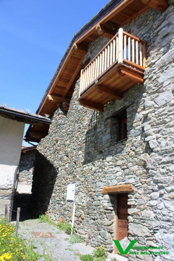 Rustico parzialmente ristrutturato - Immobiliare Valle del ...